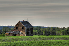 Weird sky (Len Langevin) Tags: old house canada abandoned rural nikon decay farm sigma alberta weatheredwood derelict 18200 d300 beautifuldecay