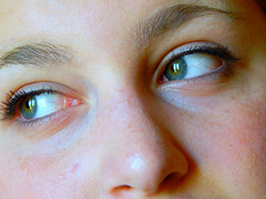 """The green eyes, the spotlight."" (wearebelievers) Tags: friends black cute green girl beautiful beauty make up look eyes friend eyelashes friendship mascara eyeliner"