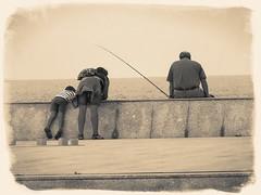 "DSC01101Diau Burlon (El Diau Burlon-Virados ""Arrobarroba"") Tags: espaa blancoynegro gijn n streetphotography asturias nios mujeres hombres fotografiacallejera principadodeasturias sonydschx50v eldiauburln"