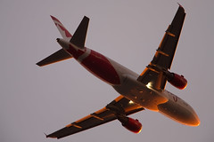 C-GBHO_A319_CYVR_5895 (Mike Head - Jetwashphotos) Tags: canada rouge bc britishcolumbia airbus approach yvr aircanada westerncanada cyvr a319114 pacificregion