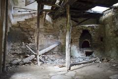 (Bert de Jonge) Tags: oven ruin greece rune