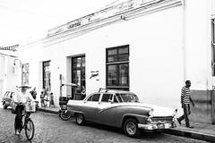 Spirit of Camaguy (STH Photo) Tags: life street city people classic car canon de eos town calle taxi air ciudad voiture chevy 7d mm rue bel camaguey efs cubaine ville vie peuple 1755 wagen camagey 2013 efs1755