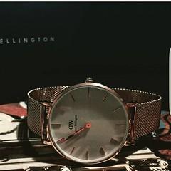 "Introducing the brand new Classic Petite Collection by Daniel Wellington, available today at DW #DWClassicPetite  danielwellington *แวะไปshopของDWในประเทศไทย   นำรหัสCODE ""NATHAN1"" ลดราคาพิเศษให้คุณทันทีทั่วประเทศไทย #แล้วคุณจะรักเรา  @danielwellington wi"