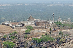 Les temples jans de Chandragiri (Sravanabelgola, Inde) (dalbera) Tags: india religion karnataka inde sravanabelgola chandragiri dalbera janisme cultejan