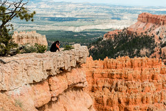 Bryce Canyon, Utah - photographer at Sunset Point (MikePScott) Tags: camera usa lens utah rocks unitedstates amphitheatre canyon cliffs bryce sunsetpoint topography brycecanyonnationalpark nikond800 nikon28300mmf3556