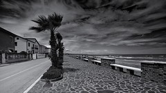 [AA0637]* 2014/07/28_006 (sdb66) Tags: sea italy costa water italia day mare outdoor spiaggia ch abruzzo adriatico costaadriatica mareadriatico nikkorafs1735mmf28d nikond800e casabordino