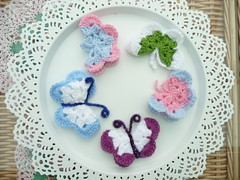 Butterflies from 'jessiebonbon' many thanks to you! (MRS TWINS/SIBOL 'Sunshine International Blankets) Tags: butterflies crocheted