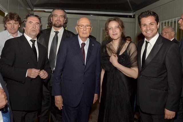 Il Presidente Giorgio Napolitano con il Maestro Riccardo Muti e gli artisti