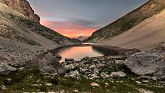(Finasteride (Magro Massimiliano)) Tags: trekking lago tramonto montagna monti d600 escursionismo montisibillini escursione finasteride samyang escursionisti montevettore lagodipilato nikond600 parconazionalemontisibillini samyang14mm magromassimiliano