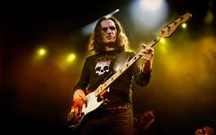Rush (Subdive) Tags: music rock concert sweden stockholm live canadian fender rush onstage hardrock globen geddylee progressiverock globearena jazzbass tamron1750mmf28