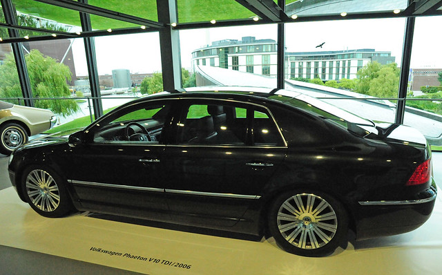 museum germany volkswagen tdi factory 2006 visitor wolfsburg displayed autostadt v10 attraction phaeton adjacent zeithaus avisitorattractionadjacenttothevolkswagenfactoryinwolfsburggermany