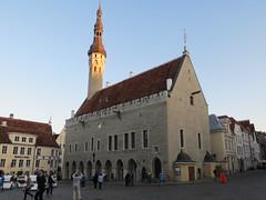 Tallinn City Hall (Tallinna raekoda) (zug55) Tags: square tallinn estonia cityhall platz gothic unescoworldheritagesite unesco worldheritagesite townhall rathaus tallin estland mainsquare gotisch reval oldsquare talin welterbe unescowelterbe raekoja raekoda raekojaplats tallinnaraekoda