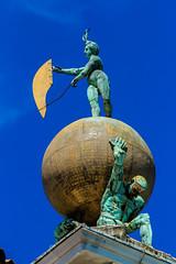 Golden Ball of Punta della Dogana (Fran Lens) Tags: travel venice italy sculpture ball golden italia escultura sphere punta venecia venezia oro dogana