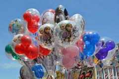 Balloons (disneylori) Tags: balloons frozen mainstreet disney disneyworld wdw waltdisneyworld magickingdom mainstreetusa disneyballoons