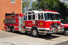 Medford Township Fire Department Taunton Fire Co. Pumper Tender 2526 (Triborough) Tags: newjersey nj engine firetruck fireengine tender kme medford tfc pumper 2526 burlingtoncounty mtfd medfordtownshipfiredepartment tauntonfireco tauntonfirecompany pumpertender2526