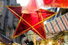 (kuuan) Tags: street red star vietnam saigon f25 voigtlnder lampion hcmc 75mm midautumnfestival voigtlndercolorheliar voigtlndercolorheliarf2575mm