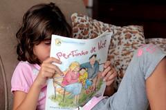IMG_9805 (marcos borges filho) Tags: livro ler perto leitor pertinho leitora
