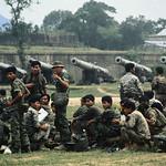 Hue, South Vietnam, 1972 - Binh sĩ TQLC Nam VN rút lui từ Quảng Trị về Huế thumbnail