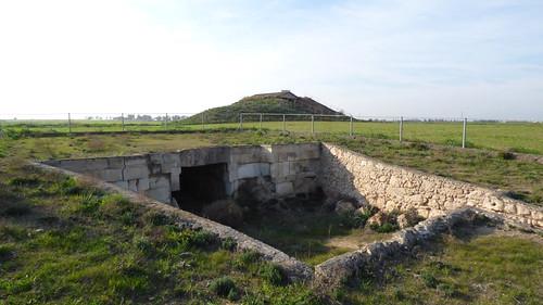 Royal Tombs , Tuzla, tomb III (3)