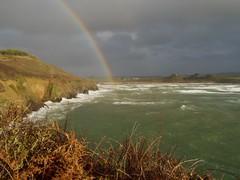 Deux arcs en ciel.. Two rainbows... (alainpere407) Tags: alainpere plomodiern bretagne breizh brittany finistere penarbed arcenciel rainbow storm tempête