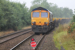 66704 (marcus.45111) Tags: station gm sunday 2014 kivetonpark class66 networkrail 66704 gbrf moderntraction 6g40