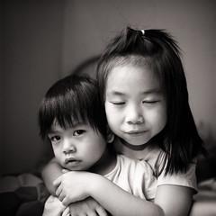Good Sisters () Tags: family 120 film  lele nunu     bwportrait   hasselblad503cw ilforddelta100pro my  opdanphotonote carlzeiss60mmcft