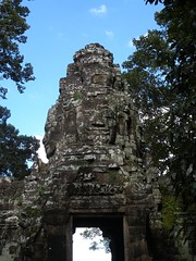 Angkor Thom - 075 (txikita69) Tags: cambodia khmer angkorwat siemreap angkor taprohm bayon angkorthom banteaykdei camboya thommanon bakseichamkrong phnomkrom khmerempire tonlesap terrazadeloselefantes banteaysamre regencyangkorhotel