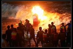 nEO_IMG_DP1U7424 (c0466art) Tags: city light sea people water beautiful festival night last canon wonderful fire scenery tour view 14 year watch chinese ceremony deep taiwan july visit attractive activity custom lunar keelung goast 2014 1dx c0466art