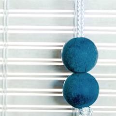 boules bleues (fransje 2103) Tags: blue light abstract macro window canon square flickr bleu bambou bois schiedam carre minimalisme bouché augustus2014