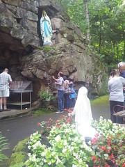 Marie Bernarde (Bernadette) Soubirous Voie La Sainte Vierge. (riverishere) Tags: canada statues qubec sanctuary apparition rigaud sanctuaire bondieuseries grottedemassabielle