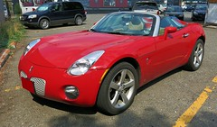 Pontiac Solstice (Custom_Cab) Tags: 2005 red sky sports car gm platform 2006 solstice daewoo pontiac saturn gt 2008 2009 kappa opel 2007 g2x kappaplatform
