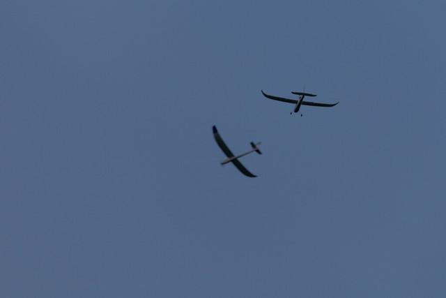 Arthur and Glenn flying together.