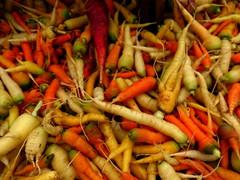 Loose Carrots $4/lb (Renee Rendler-Kaplan) Tags: summer vegetables june healthy mix colorful pretty forsale gbrearview farmersmarket market bunches summertime carrots veggies crunchy gapersblock wbez saturdays chicagoist 2015 eatyourveggies evanstonfarmersmarket evanstonillinois 4lb loosecarrots pickyourownfavorites