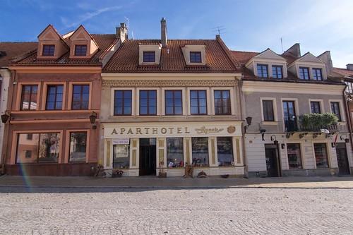 Fragment wschodniej pierzei (Rynek 16,17,18) w Sandomierzu