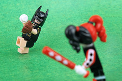 Can Harley Quinn beat Batman with her new bat? (Lesgo LEGO Foto!) Tags: lego minifig minifigs minifigure minifigures collectible collectable legophotography omg toy toys legography fun love cute coolminifig collectibleminifigures collectableminifigure batman bat harleyquinn harley quinn vacationbatman vacation batmanmovie thebatmanmovie dccomics comics baseball baseballfield catcher baseballplayer player glove