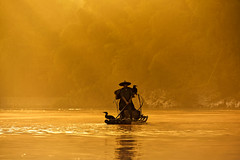 Journey Into Light (Anna Kwa) Tags: cormorantfisherman sunrise light rays cormorants liriver yangshuo guilin guangxi china annakwa nikon d750 afsnikkor70200mmf28gedvrii my journey always life peace journeyintolight seeing soul heart throughmylens throughherlens travel world fate destiny thehours michaelcunningham