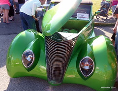 1937 Green Ford Custom (WillynWV) Tags: green ford headlights chrome westvirginia custom carshow 1937 jeffersonavenue marshallcounty moundsville gravecreekmound openhood wvpprison 27thmarshallcountychamberofcommerce moundsvillecruiserscarclub gotowv gregyohomemorialcarshow