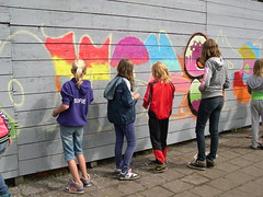 "zomerspelen 2013 Graffiti workshop • <a style=""font-size:0.8em;"" href=""http://www.flickr.com/photos/125345099@N08/14220594400/"" target=""_blank"">View on Flickr</a>"