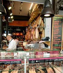 Carrasco Markthalle (Peeping Thom) Tags: madrid espaa hall spain market meat espana carrasco halle spanien jambon fleisch markthalle schinken