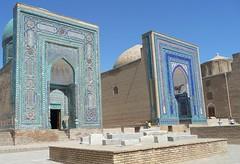 Uzbekistan . Samarkand (manu/manuela) Tags: architecture graves mausoleum samarkand tombes tombeaux mausole muslimart artislamique