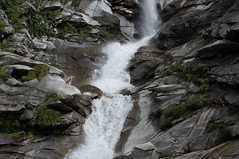 Wasserfall in Gondo (Rosmarie Voegtli) Tags: switzerland hiking wallis gondo stockalperweg gondoschlucht simpon