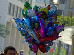 P1070155c - Balloons (JB Fotofan) Tags: street city germany frankfurt ballons fz150 dmcfz150 lumixfz150