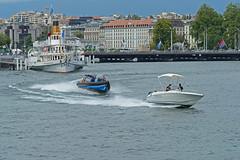 200 ans de la police Genevoise_7149 (Yves.Henchoz) Tags: lake switzerland boat suisse geneva swiss police lac bateaux genève polizei polizia genf lacléman bicentenaire nikond4 ge200ch bicentenairedegenève2014 afsnikkor70200mmf28gedvrⅱavecafsteleconvertertc20eiii