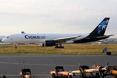 IMG_0300_EC-FTR_Cygnus_Air_Boeing_757-256(PCF) (Carl. B.) Tags: aircraft cargo planes flugzeuge planespotting frankfurtairport ecftr cygnusair boeing757256pcf