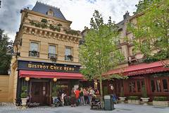 DLP Aug 2014 - Checking out the new Ratatouille area (PeterPanFan) Tags: travel summer vacation france canon europe august disney aug disneylandparis dlp 2014 disneylandresortparis waltdisneystudios marnelavallée waltdisneystudiospark toonstudio disneyparks canoneos5dmarkiii chezremy bistrochezremy bistrotchezremy remysparis ratatouillearea