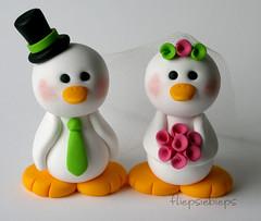 Duck Wedding Cake Topper (fliepsiebieps_) Tags: bear wedding penguin duck couple handmade bears clay customized caketopper custom pinguins beertjes eendjes weddingcaketopper handgemaakt taarttopper