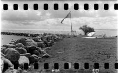 Windsurfing (holtelars) Tags: film rollei analog zeiss 35mm denmark f45 analogue ikonta ikon ilford sprocket 75mm foldingcamera sprockethole id11 novaranastigmat 52316 prontors rpx400 rollei