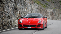 599 GTO (Raoul Automotive Photography) Tags: red logo photography kroes sony 85mm automotive ferrari gto alpha dslr italië rk a77 v12 raoul passo dello bormio 599 stelvio t15 stilfs samyang 599gto trentinozuidtirol
