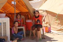 Irak Kurdistan Iraq Erbil 11.09.2014   IMG_7723 (T Rassloff) Tags: camp is war refugee refugees iraq norden kinder krieg east mord terror syria middle isis erbil lager kurdistan flüchtling arbil familien irak ixil flucht krise turkmen terroristen opfer kurden flüchtlinge nahost islamisten kurdisch vertreibung yeziden türkmenler turkmenen eziden salafisten jesiden êzîdî ئێزیدی