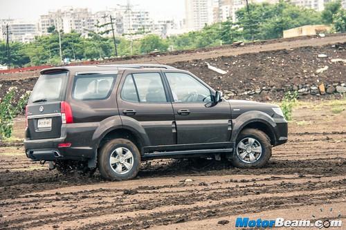 2015-Tata-Safari-Storme-Facelift-15